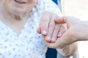 Pflege: eine ungewohnte Situation und Umstellung für Angehörige und Parkinson-Erkrankten.